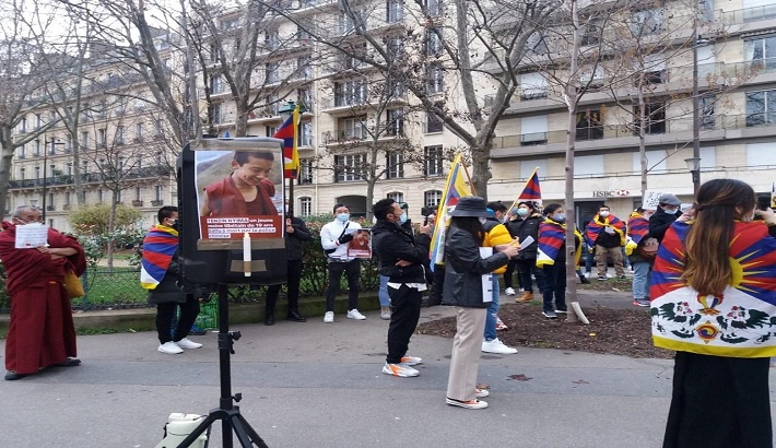 Tibetan student body in France protests against Chinese detention of Panchen Lama