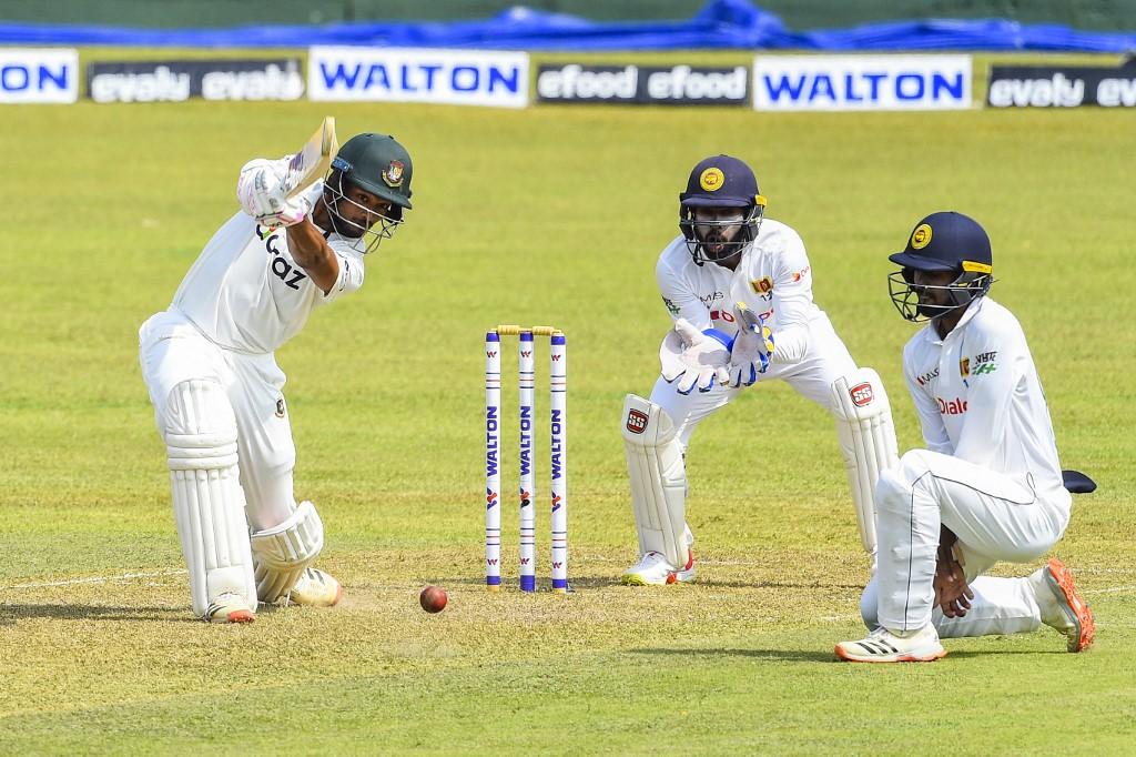 Sri Lanka bat first, Shoriful makes Test debut
