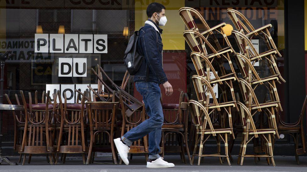 Covid: France aims to reopen cafes and restaurants in May