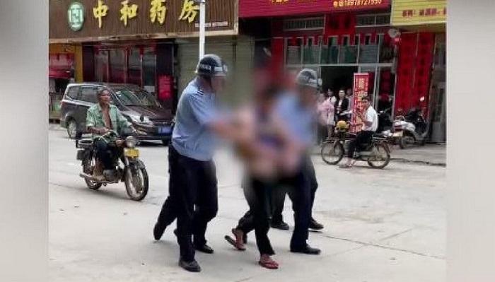 One Dead, 17 Injured in Guangxi Kindergarten Knife Attack