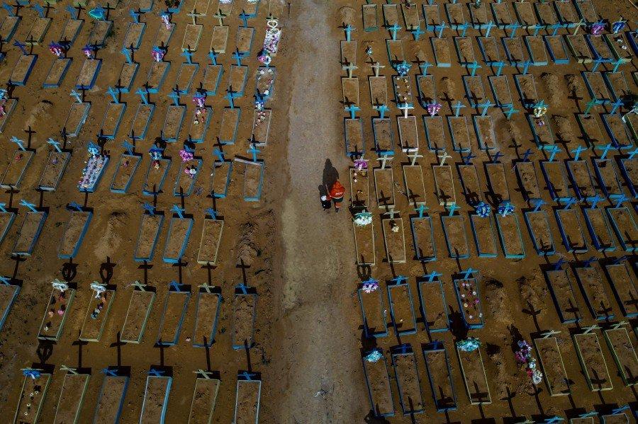 Brazil's Covid death toll surpasses 400,000
