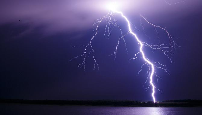 Lightning kills madrasa student in Kutubdia