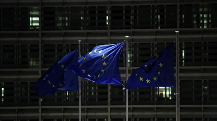 EU aims to cut foreign reliance on chips, pharma materials -document