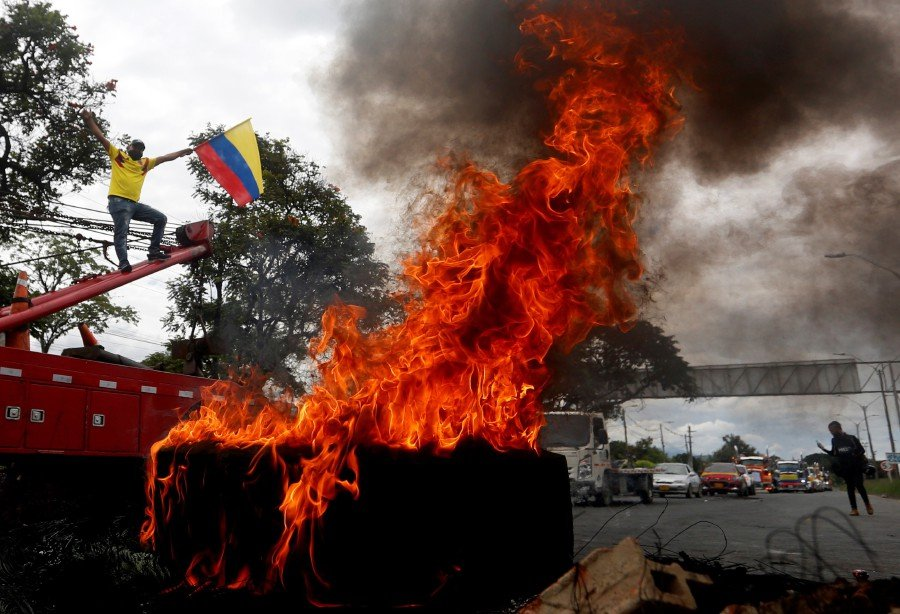 At least 17 dead, 800 injured in days-long Colombia protests