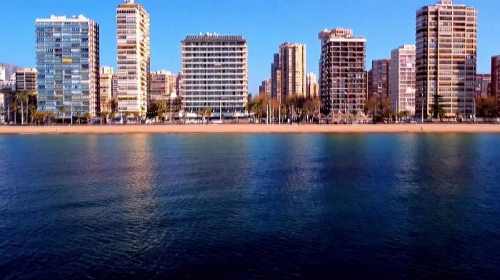 EU unveils plans for overseas tourists to return