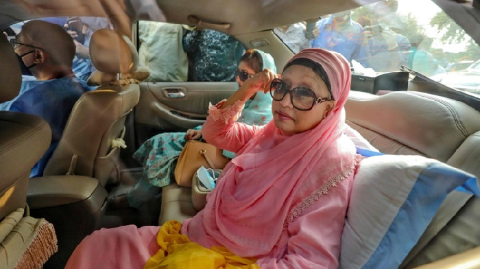 Khaleda Zia's family preparing to take her abroad for treatment