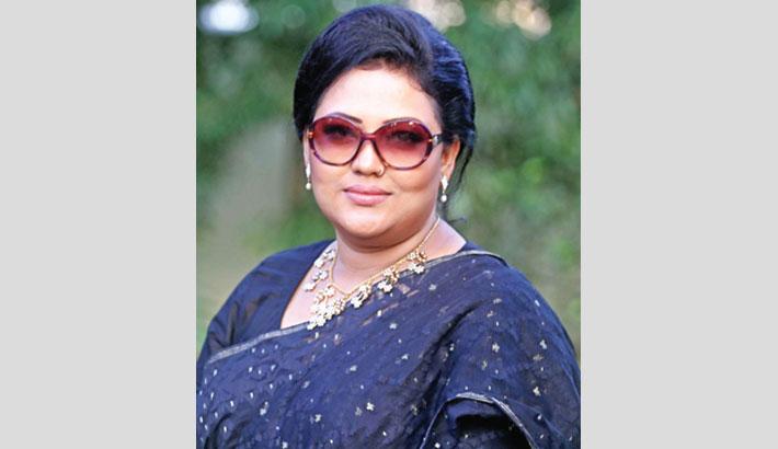 Momotaz sings for 'Ananda Mela'
