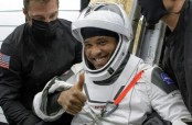 """""""I felt really heavy:"""" astronauts describe returning to Earth on SpaceX capsule"""