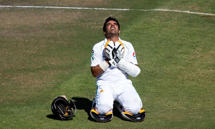Abid hits double century as Pakistan show Zimbabwe 'how to play cricket'