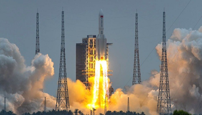 Chinese rocket debris crashes into Indian Ocean - Chinese media