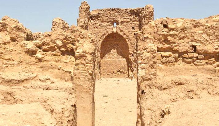 Iraq's heritage battered by desert sun, rain, state apathy