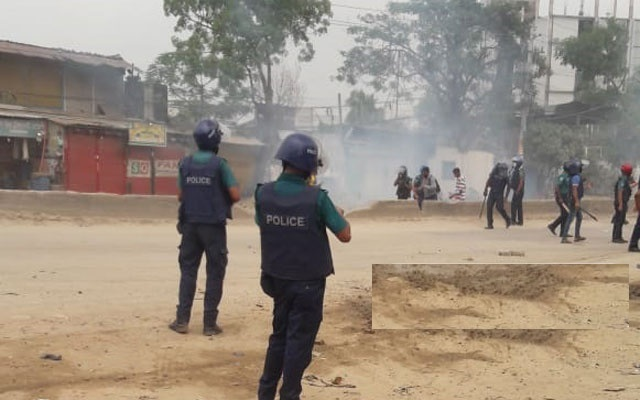 20 injured as workers, police clash in Gazipur