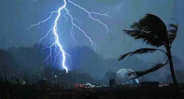 Lightning strike kills 2 in Pabna