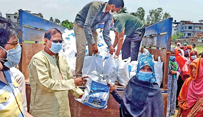Distributes relief