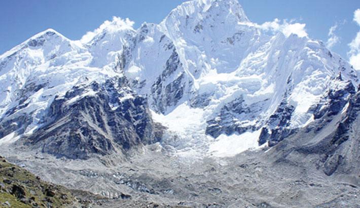 China to set up separation line on peak of Everest