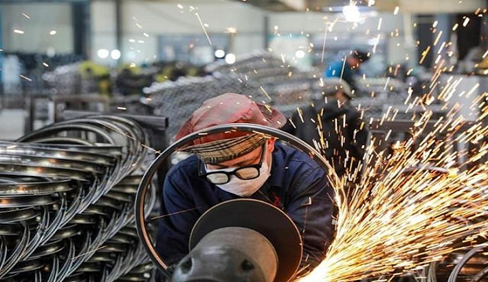 China's factory gate prices jump in April
