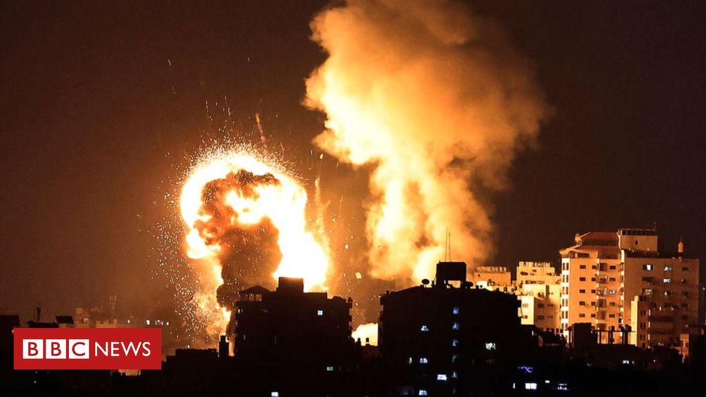 Jerusalem crisis: Pleas for calm as violence escalates