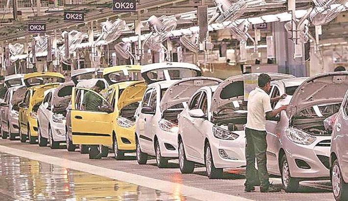 Indian auto dealers predict slow sales recovery