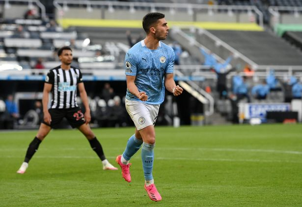 Torres hat-trick sees Man City hold off Newcastle