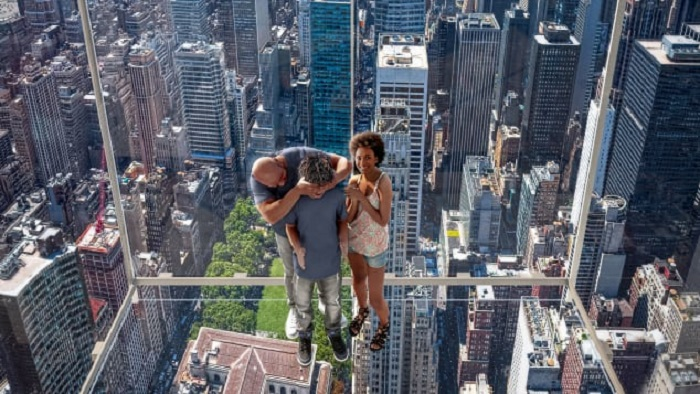 New York gets dizzying new glass elevator ride