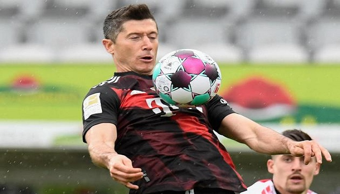 'Incredible' Lewandowski equals Mueller's 49-year-old record with 40th goal