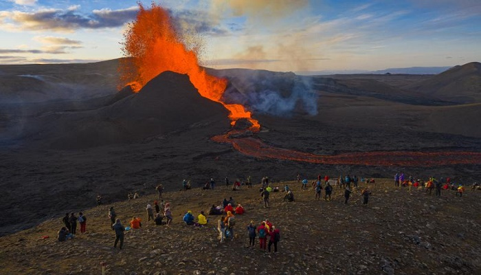 Icelandic volcanic eruption a 'wonder of nature'