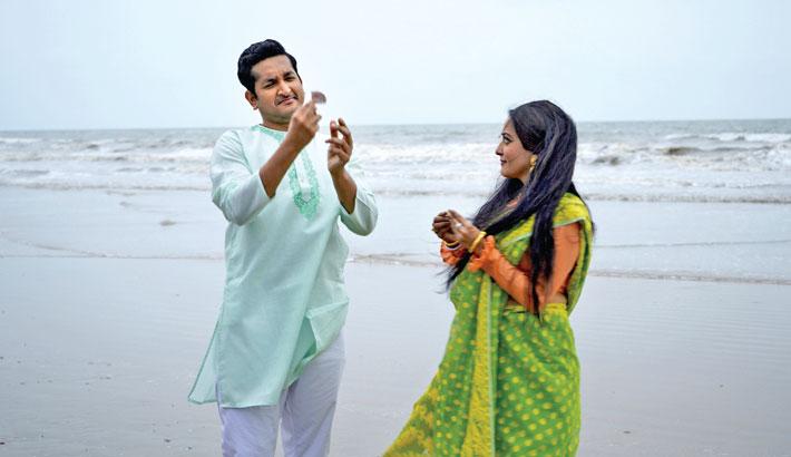 Parambrata, Raima Sen feature in a Bangladeshi song for first time