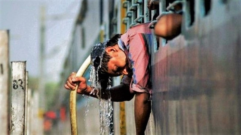 Mild to moderate heat wave sweeping over country