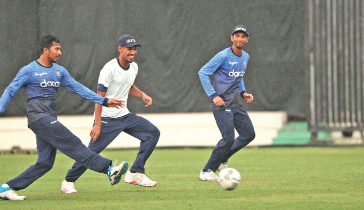 Shakib, Fizz join team-mates