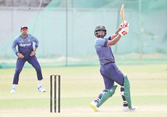 Batsmen make merry in practice match