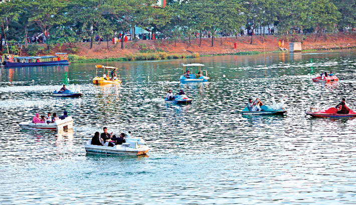 The lake has become a popular destination for the people of the densely populated