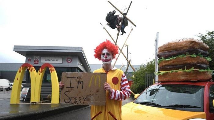 McDonald's: Animal rights group blockades depots, activists say