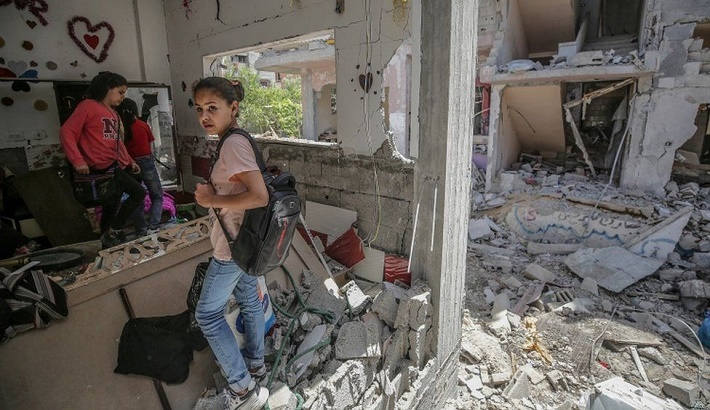 Israel-Palestinian conflict: Aid arrives in Gaza as ceasefire holds