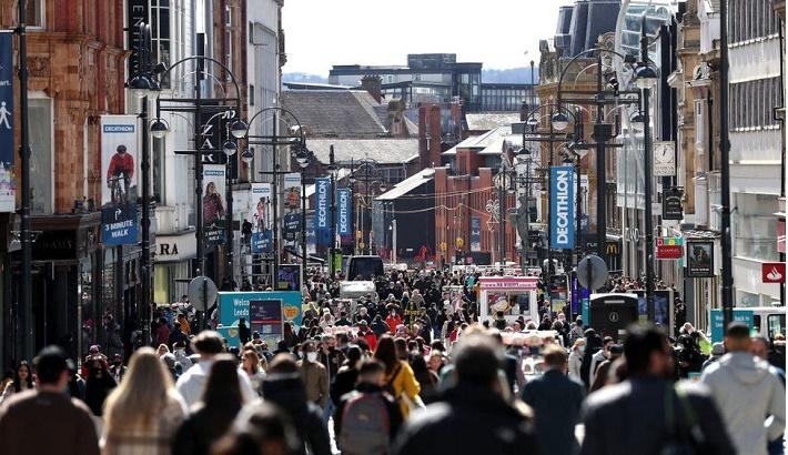UK retail sales soar 9.2pc in April as shops reopen