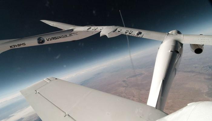 Virgin Galactic rocket plane flies to edge of space