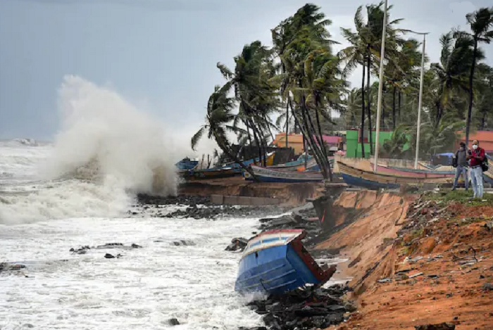 Millions threatened as cyclone spells double trouble in Bangladesh, India: IFRC