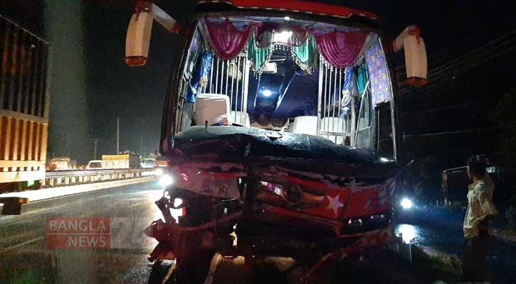 Driver, helper killed in Tangail road crash