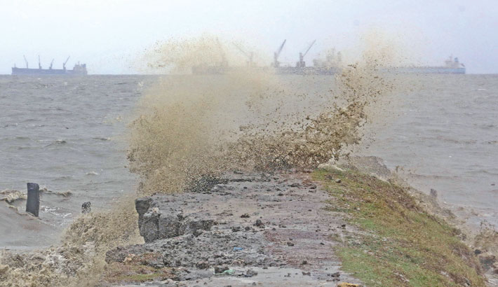 The sea remains rough under the impact of tropical cyclone 'Yaas'