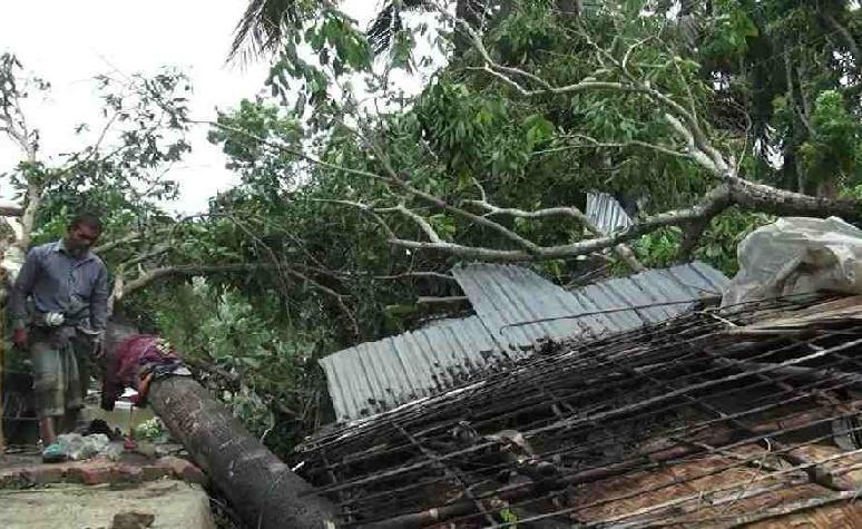 3 injured, 50 houses destroyed in storm ahead of Yaas in Jhenaidah