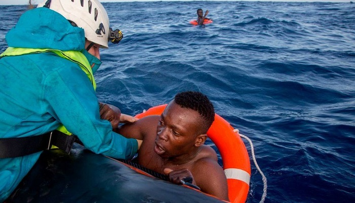 Dead children washed up on Libya beach, says charity