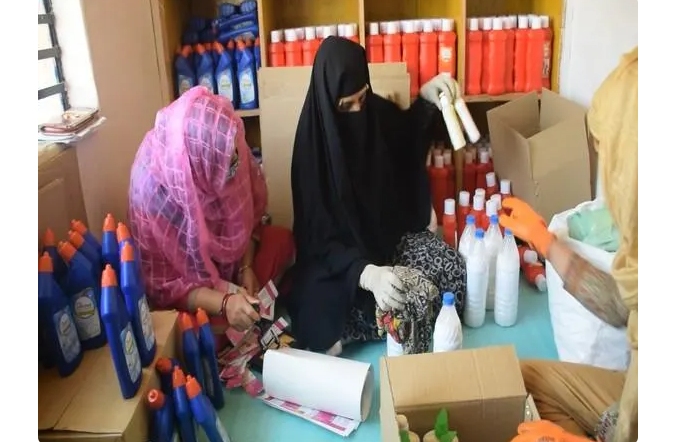 Centre's scheme 'Umeed' gives new lease of life to rural Kashmir women amid COVID