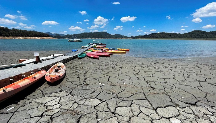 Climate: World at risk of hitting temperature limit soon