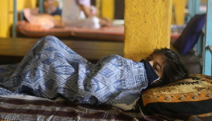 India's daily Covid-19 infection count goes up to 211,298, death toll at 315,235