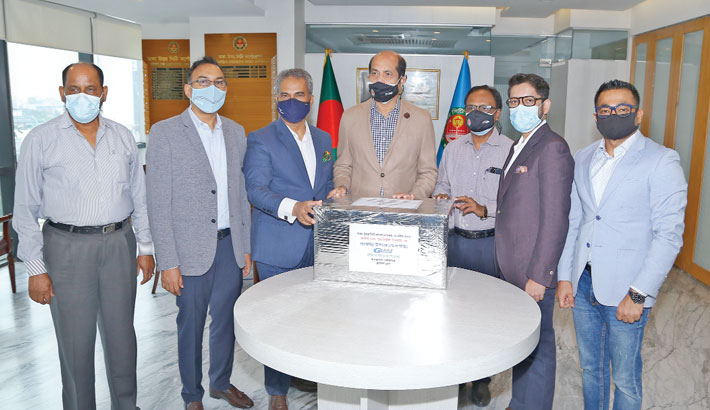 Decathlon, Giant Group, Turag donate face masks to DNCC