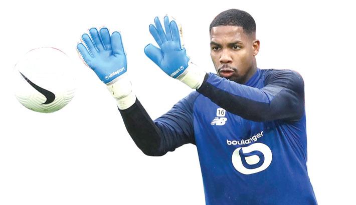 AC Milan snap up Lille goalkeeper Maignan