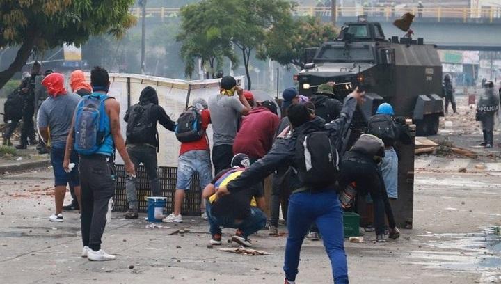 Colombia anti-govt protest clashes kill at least 10 in Cali