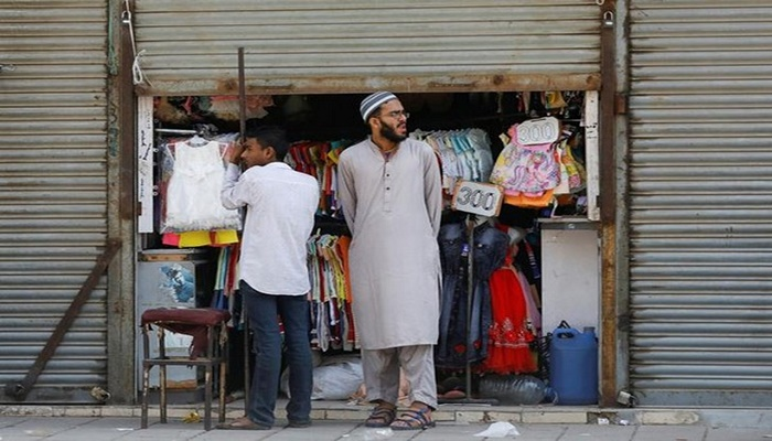 Karachi lockdown turned into a money making opportunity for police