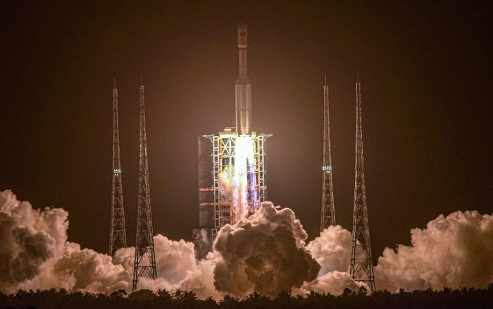 China cargo craft docks with space station module