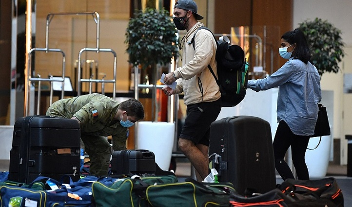Australian cricketers exit quarantine after fleeing India