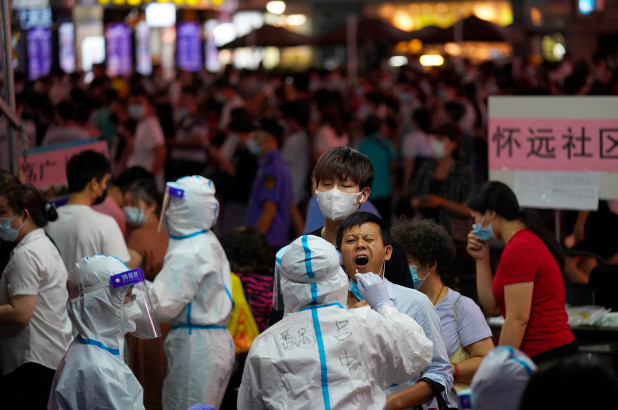 Southern Chinese city issues shutdown orders to contain new COVID-19 outbreak